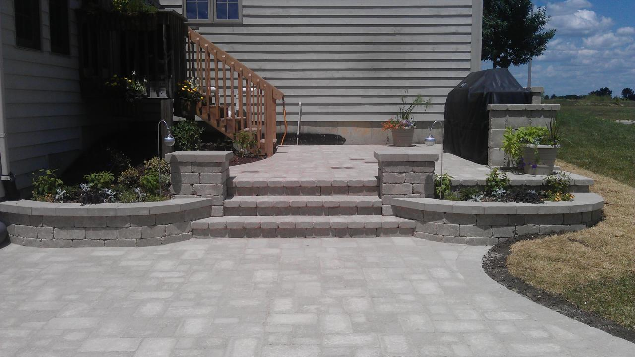 ... Split Level Patio ...